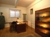 Pokój dyżurnego gestapowca i miejsce przesłuchań. (fot. Tadeusz Stani, Muzeum Niepodległości w Warszawie)